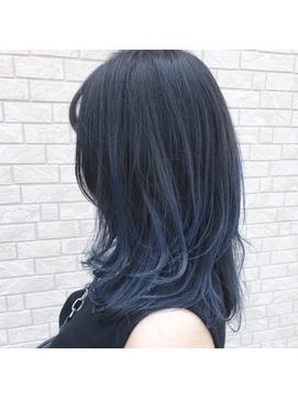 プラム ブラック 髪 色